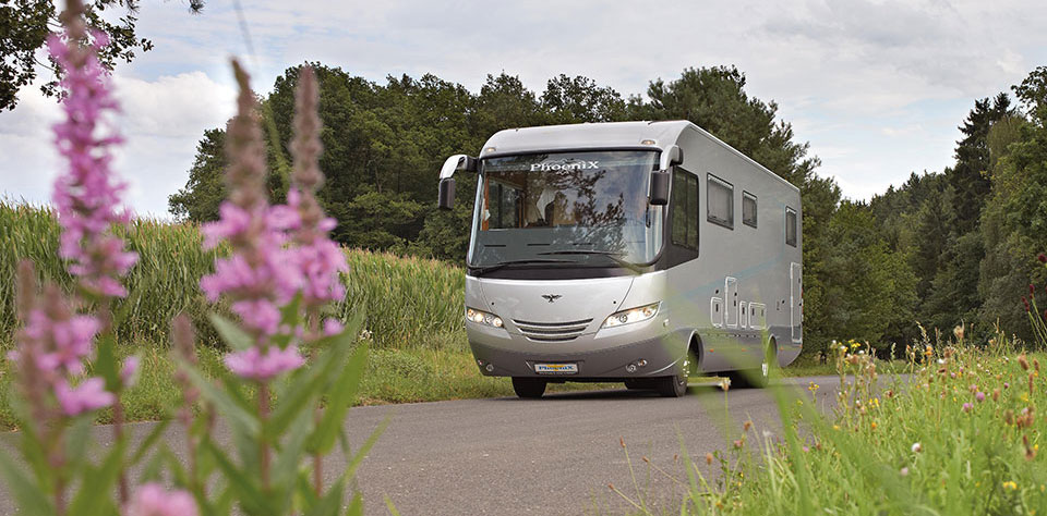 Welcome to our new website.Here you can read the news about the family of the PhoeniX caravans.